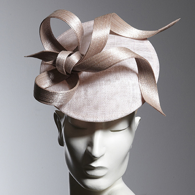 Philip Treacy London | Chalk Disc Bow